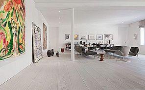 Värsked interjöörid puidust põrandate ja Põhjamaade disainiga