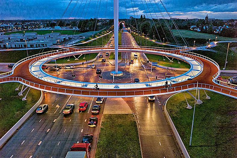 A World's First: Suspended Bicycle Rotonde in Nederland