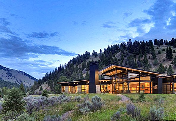 Casual Home in Montana Ontworpen voor entertainment: River Bank House