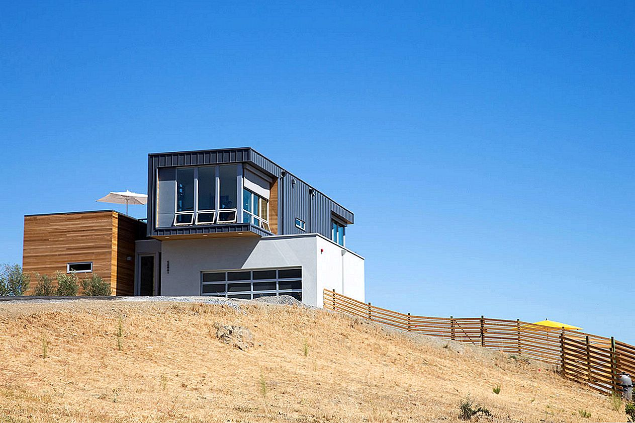 Fab Prefab House s pogledom Panoram Sonoma's Rolling Hills