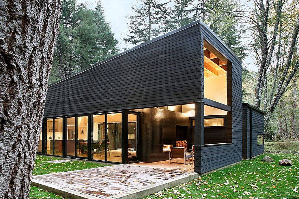 Forest Retreat Seattle'is, mis on ehitatud umbes Gravel Courtyard