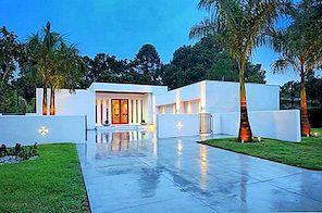 Svježi prostor unutarnjeg uređenja u prilagođenom suvremenom domu