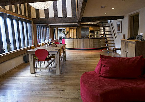 Ajalooline farmhouse Restauration in England: Harmony of Old and New