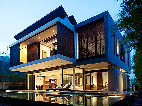 Modern Renovation Project i Singapore: 28 West Coast Grove Residence