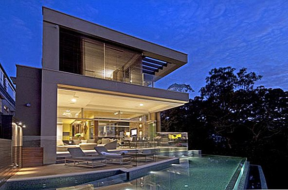 Moderne Sydney Residence Bordered By An Infinity Pool
