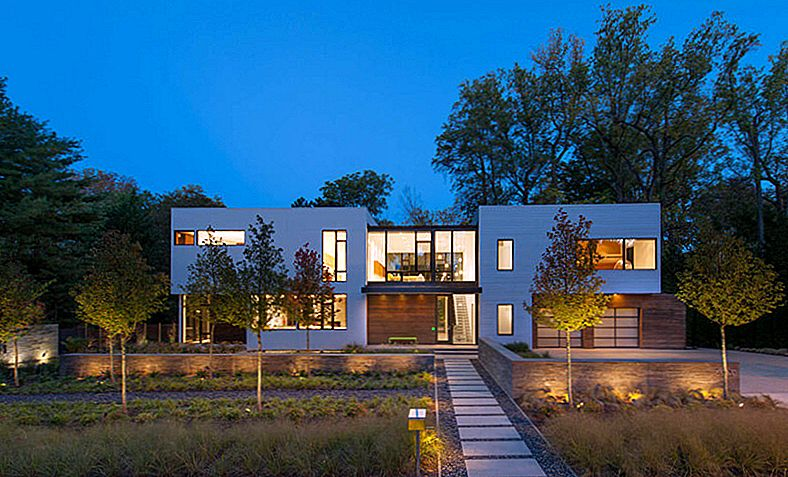 Modular House Goes Modern w Maryland