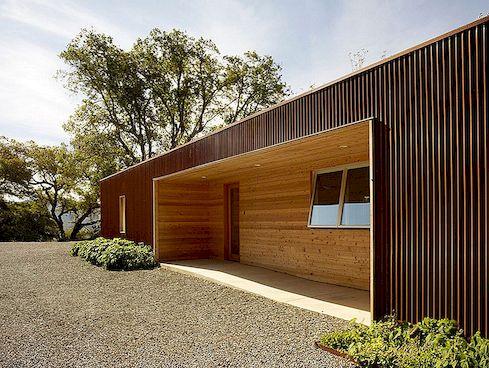 Brak marnowanych dzienników w tej zrównoważonej renowacji kalifornijskiego domu z lat 70. w Kalifornii