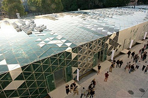 Solar Powered International Design Center selgus