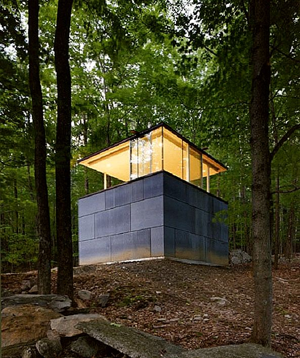 Zen-Like Cube Shaped Study Crib i Catskill Mountains