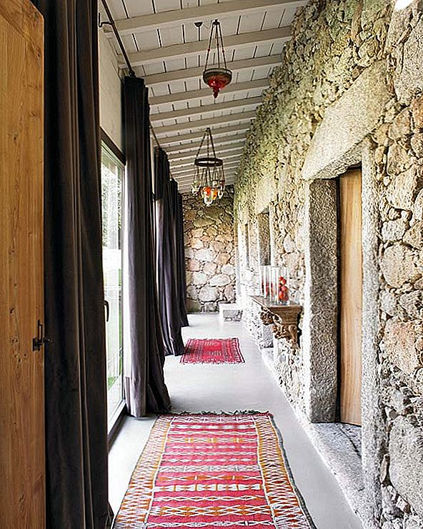 Portugalija Home Mixes Rustic And Modern To Look Trendy