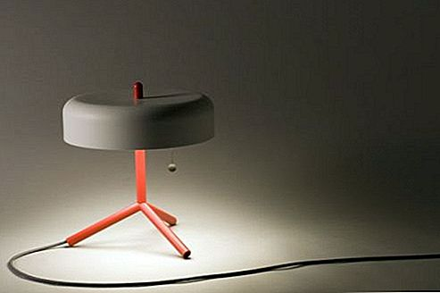 The Spun Table Lamp van Jonah Takagi