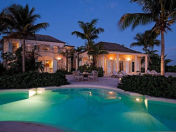 Beautiful Beachfront Coral House